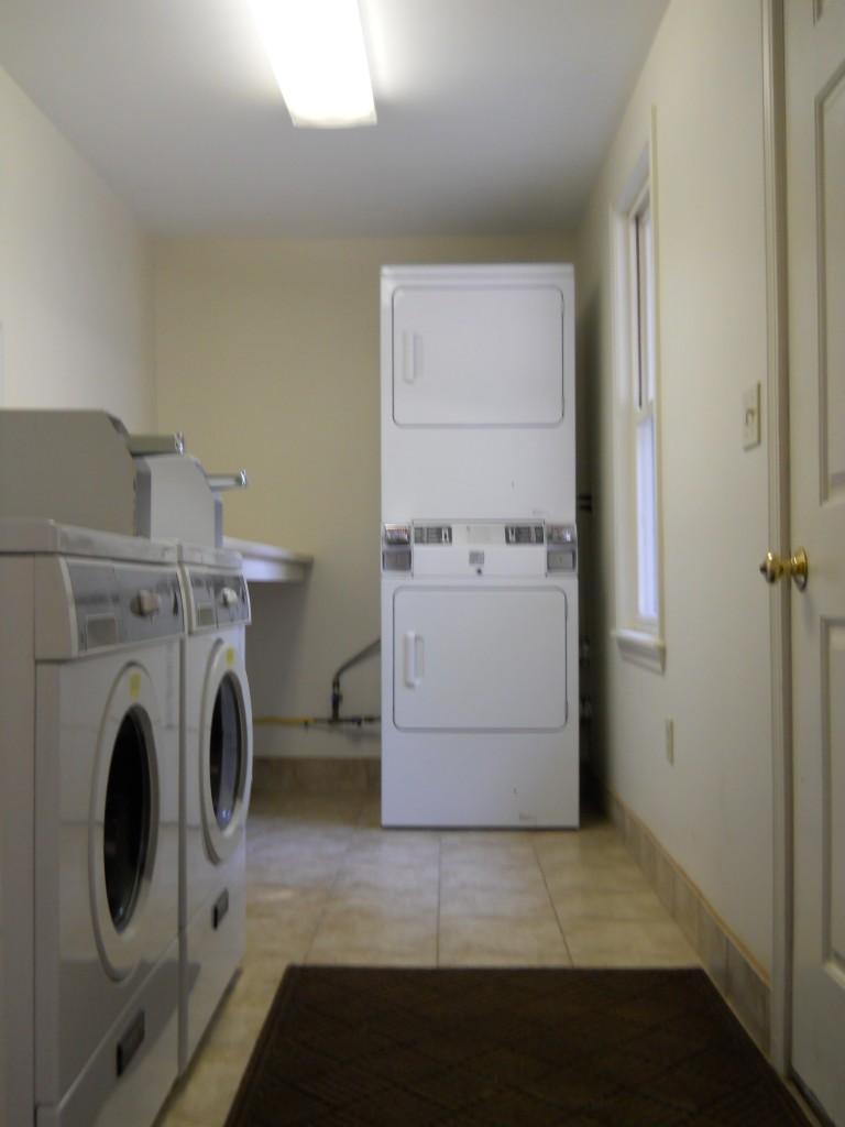 9 Maple Laundry Room